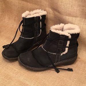 UGG Australia black lace up Rianne boots Sz 8